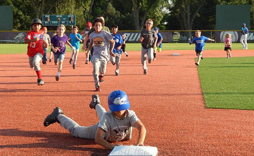 (1018) Garden City Wind Baseball Camp June 2, 2016 10 AM 1PM $50.00 Kids 14  And Under Are Eligible For Camp. The Camps Will Include Drills/stations In  The ...